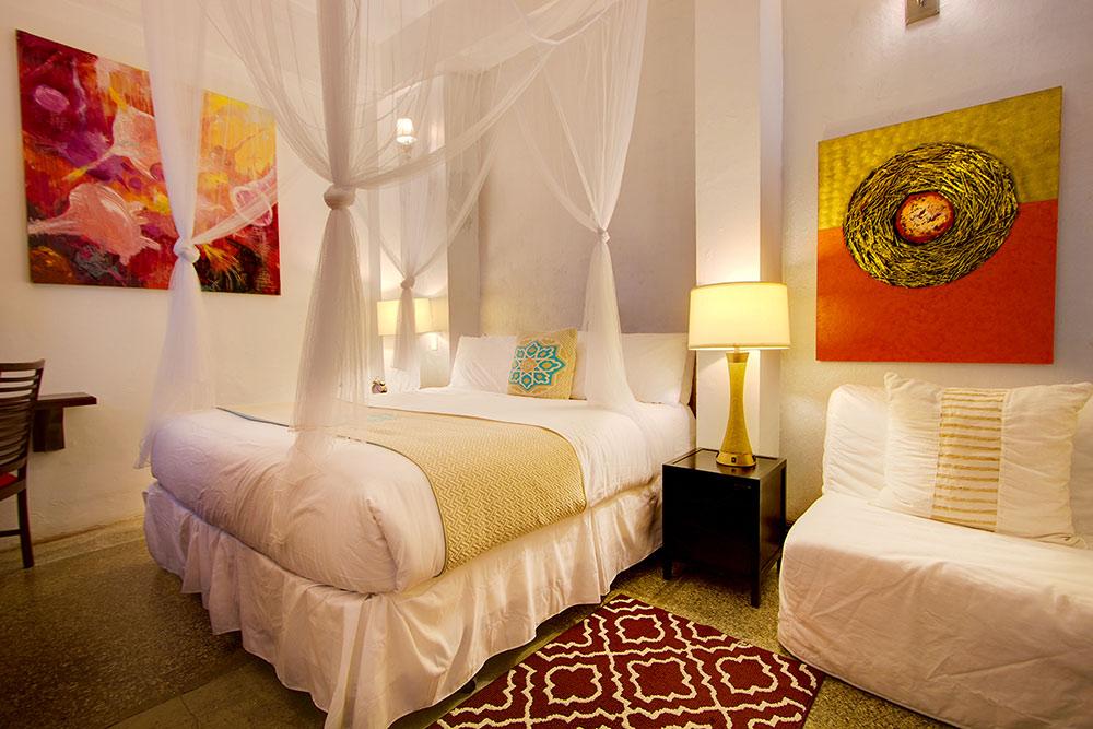 Casablanca room